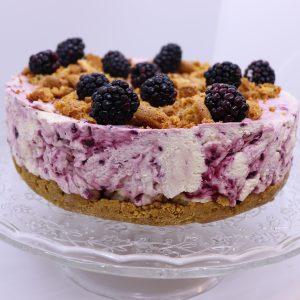 Blackcurrant and amaretti cheesecake